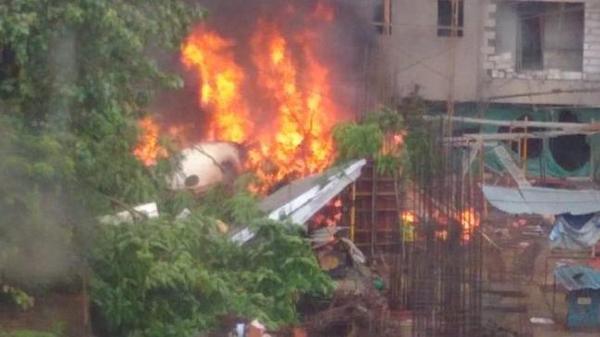 印度昆明代理记账服务有限公司一架小型飞机在孟买闹市坠毁,已致五人死亡