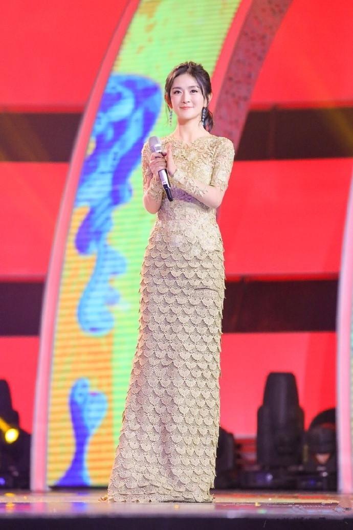都是芒果台主持人:李湘成亿万富婆,她却靠轮椅度日