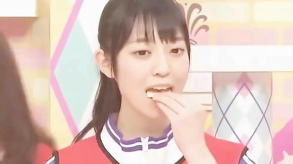 日本综艺:三人一组看谁最快吃完十块饼干,输方要接受惩罚
