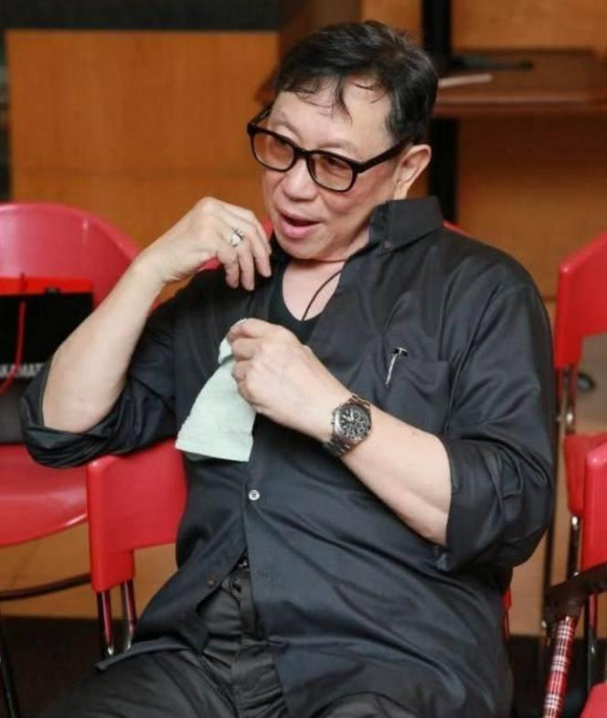 他是TVB黄金配角,曾患病起不来,现炒股维持生活