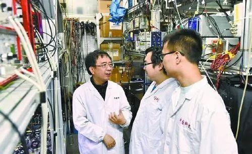 潘建伟团队刷新世界纪录,首次实现18个量子比特纠缠