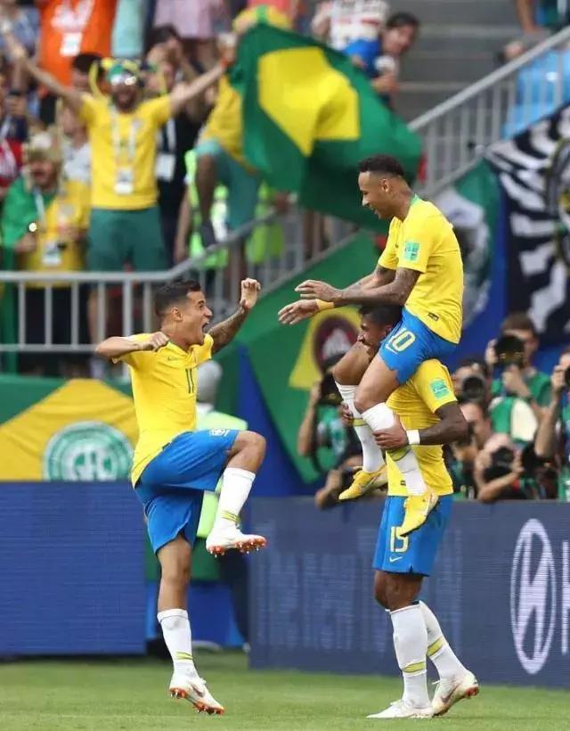 内马尔:踢最秀的足球 遭最凶的铲抢