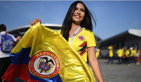 英伦VS南美,英格兰哥伦比亚美女球迷大比拼