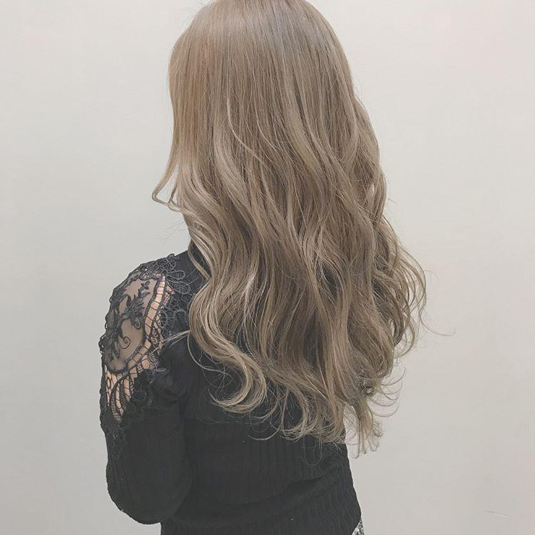 10款2018最流行的头发颜色,搭配卷发自带魅力值图片
