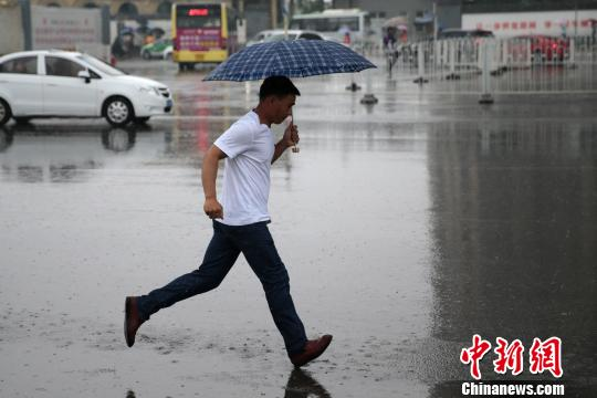 陕西持续降雨致11县区发生洪涝灾害 2.5万人受灾