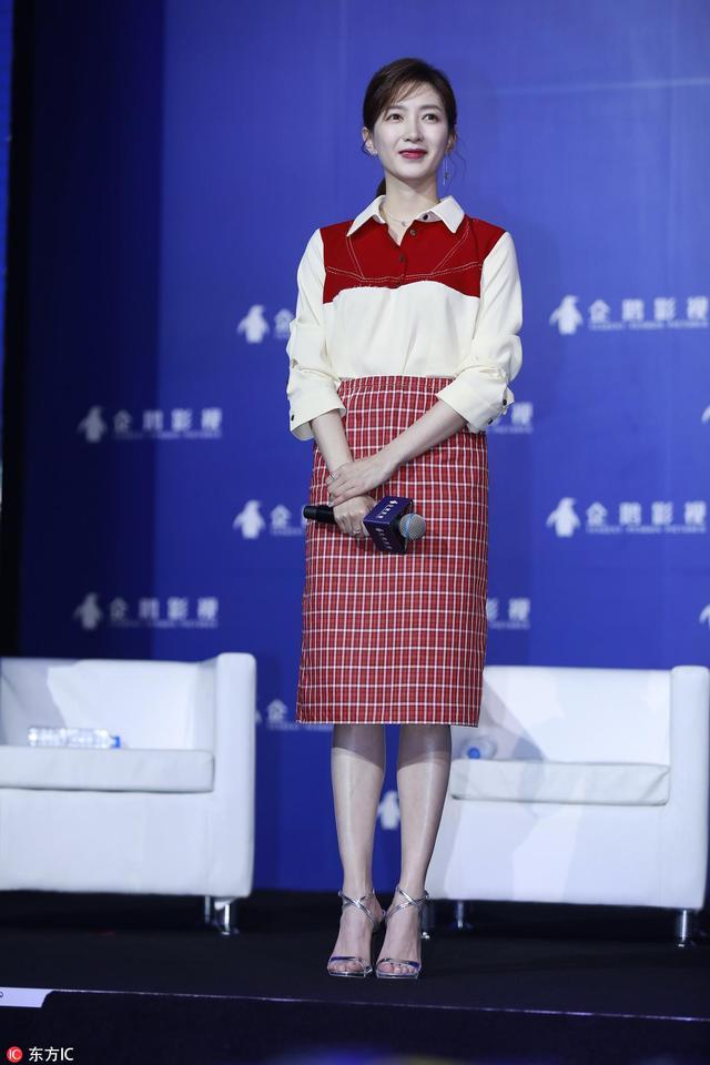 10次见江疏影9次穿衬衫,衬衫女王的穿搭从不让人失望