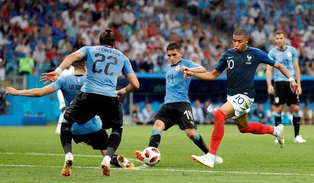 曝乌拉圭用困住C罗的锁链围剿姆巴佩,法国天才过这关才能称巨星