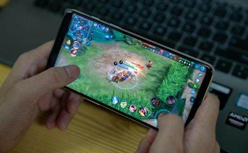 """流畅玩手机游戏关键看""""芯"""" 开黑吃鸡认准骁龙"""