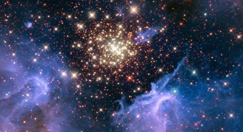 当地时间7月4日,美国宇航局(NASA)发布了一张满天繁星的图片,庆祝美国独立日。(图片来源:NASA)