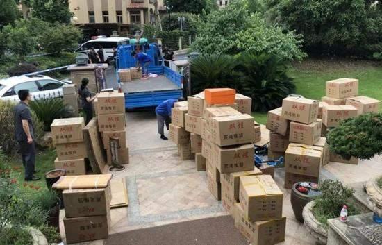 浙江770平米豪宅被强制腾房:200个箱子装满奢侈品