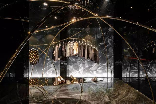 ▼飞翔的轨迹 #04 poppee设计师品牌配饰集合店poppee是北京三里屯的