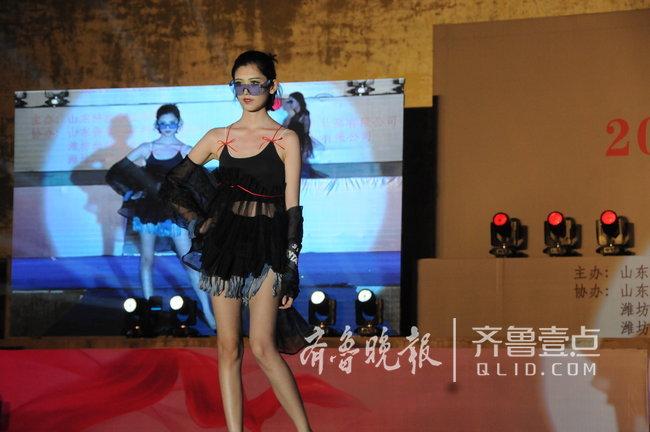 T台、秀场、时装,潍坊高校为毕业生举行毕业作