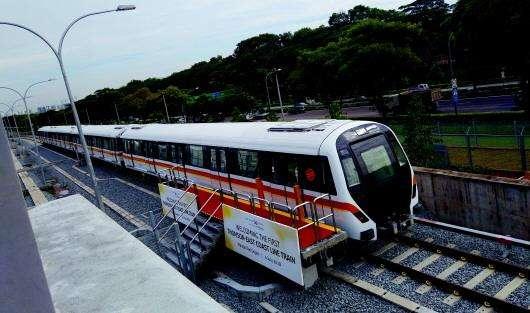 日前,中车青岛四方机车车辆股份有限公司制造的新加坡无人驾驶地铁