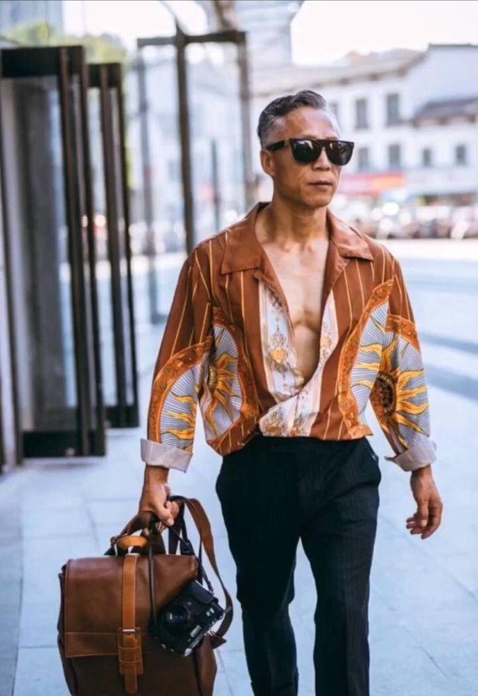 61岁中国大爷爆红米兰时装周,一年吸粉71万,