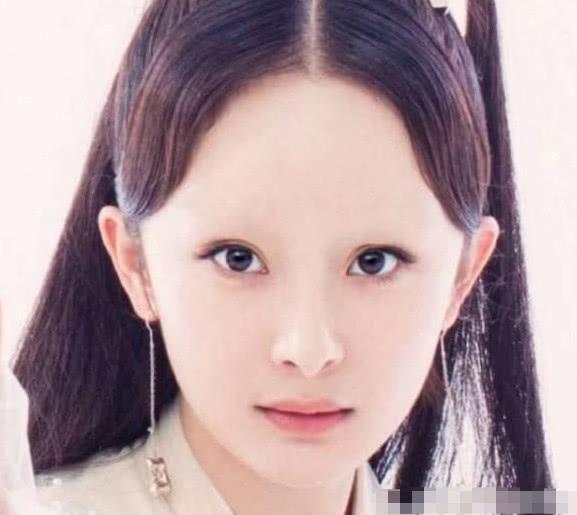 当女星失去眉毛之后,杨幂额头像海,赵丽颖可爱,而她