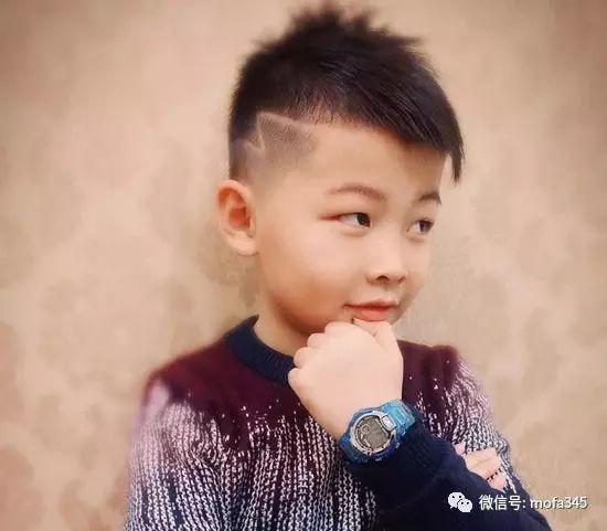 """男童发型短发铲两边 小男孩刀疤头雕刻发型设计 【欢迎关注微信公众号""""魔发"""" mofa345更多发型等你来!!!】"""