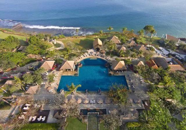 爱上巴厘岛 | 飞越赤道 我们的爱情礼成于南纬8°的婚礼圣地!