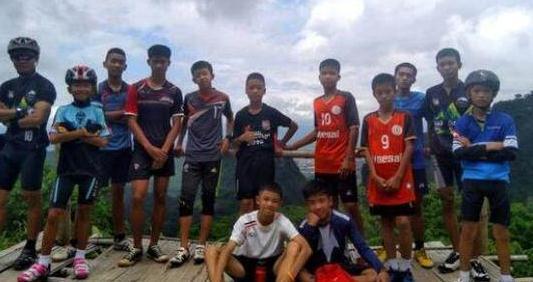 快讯!泰国岩洞救援:第11人被救出 还剩2人