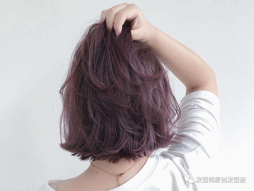 """2018流行""""短发女神范"""""""