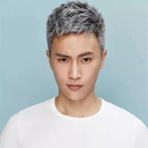 男生夏天有哪些好看的发型 清爽又不失帅气