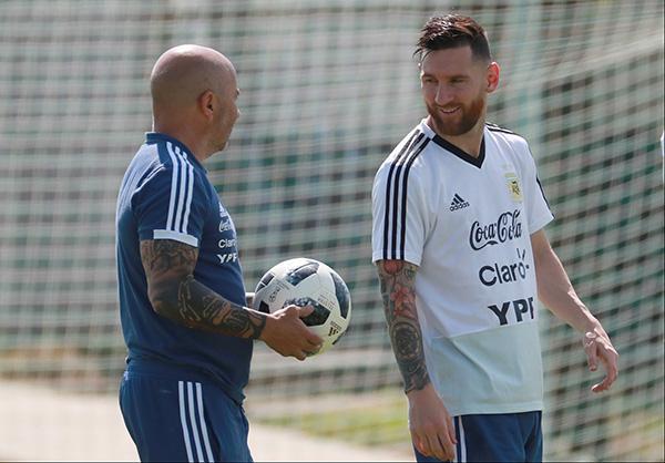 """桑保利或留任主帅,这次阿根廷足协别再""""坑梅西""""了"""