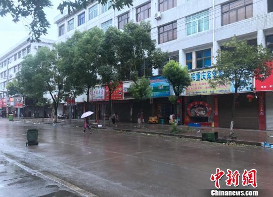 苍南�u艚社区街道景象。 胡哲斐摄