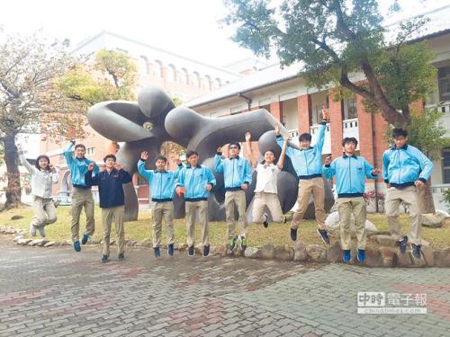 台湾中学生。(图:台湾《中国时报》/记者曹婷婷 摄)