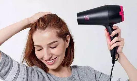 你的发型已经out了,2018流行这4款短发