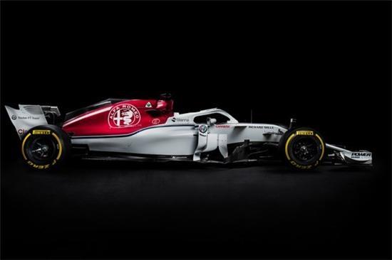 极速狂欢 阿尔法·罗密欧众车型惊艳亮相古德伍德速度节