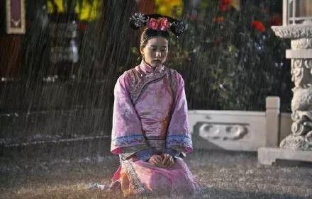 今天的雨就像朱一龙给白宇求医那天一样大,所