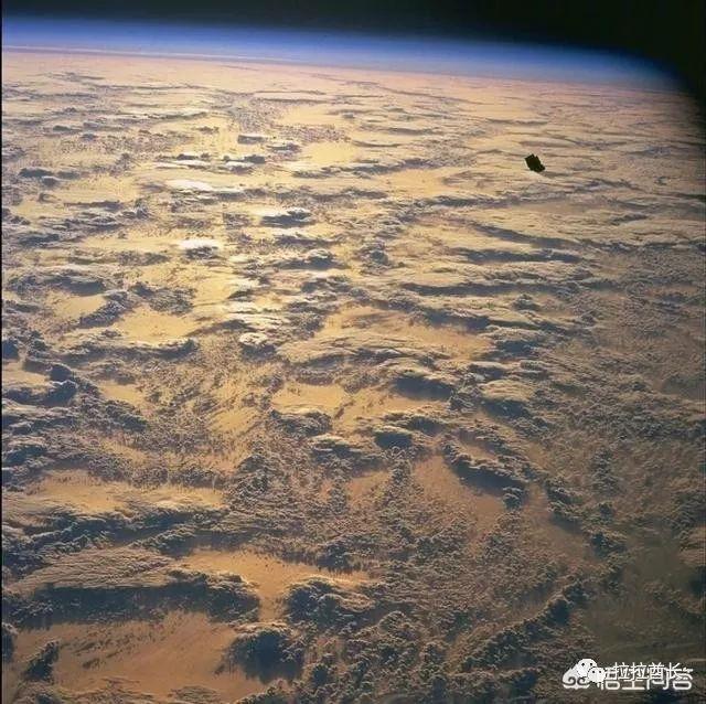 """问答 一直绕地球飞行的神秘""""黑骑士""""卫星到底是不是UFO碎片?"""