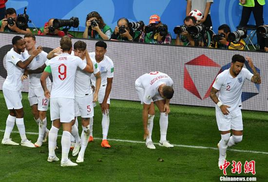 英格兰队庆祝进球。 <a target='_blank' href='http://www.chinanews.com/'>中新社</a>记者 毛建军 摄