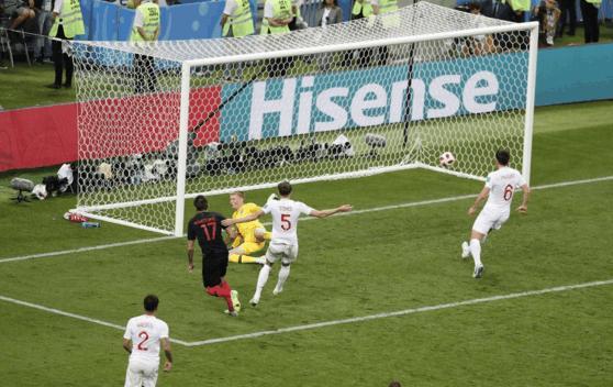 曼朱基齐加时绝杀成就克罗地亚足球新历史,赛后拉基蒂奇被扒光