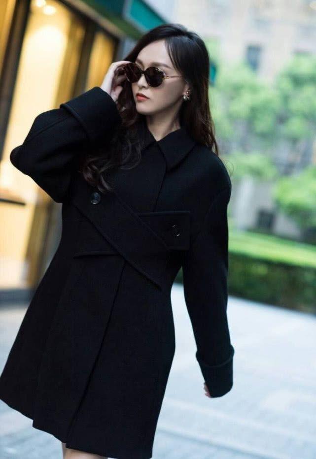 女星出道时青涩照对比:刘亦菲超仙,杨幂唐嫣气质佳
