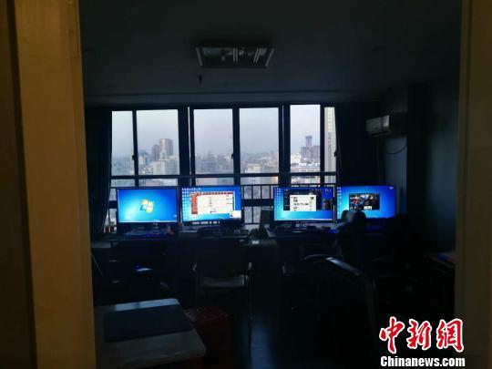 吸纳全国各地玩家62万人,涉案金额高达4.2亿元 葛妍君 摄