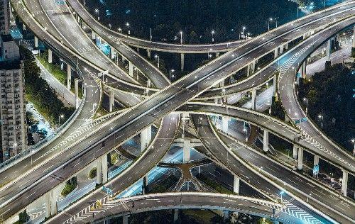 全世界最牛的立交桥,就在中国,和20层楼一样高,复杂似迷宫