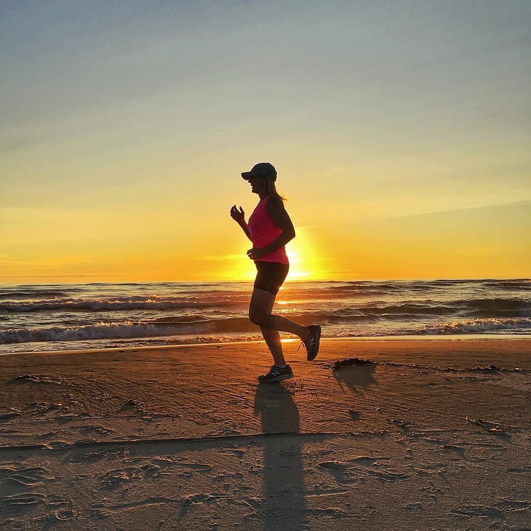 每天跑步一小时,坚持30天,减肥的你到底瘦多减脂能一天两练吗图片