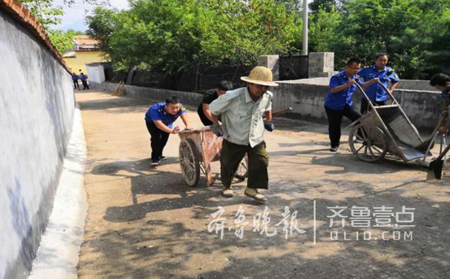 泰安:泰山区综合行政执法局开展志愿服务活动
