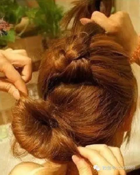 韩式蜈蚣辫花苞头编法,夏日的清凉甜美就靠ta!