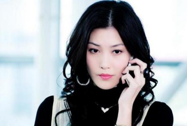 """她17岁为父还债出道,却因拒绝""""潜规则""""遭雪藏"""