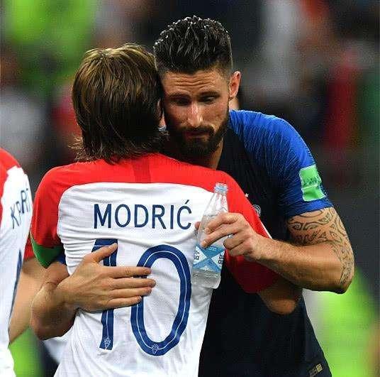 世界杯最奇葩的9号诞生! 7场0射正的他, 却是冠军法国队主力中锋