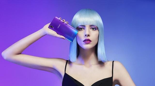 走在时尚最前端的科技产物!vivo X21魅夜紫派 普通版售价2998元