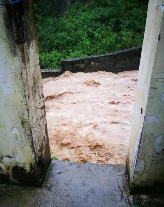 四川2.5萬挖礦大軍:一場洪水虧損上億,最怕停電和孤獨