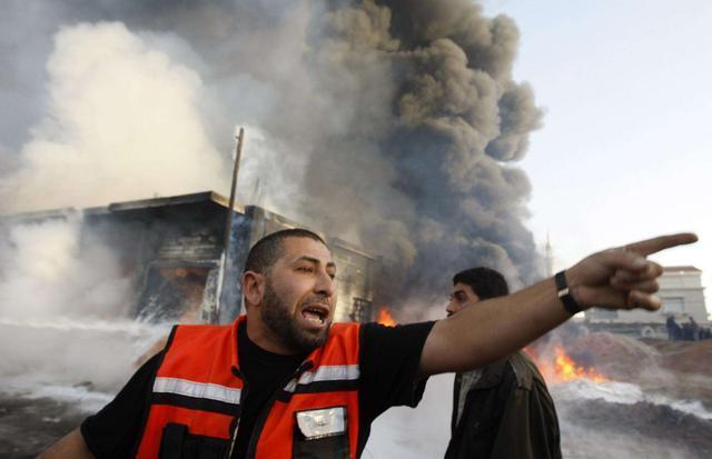 炮弹砸向平民区以色列增加铁穹 不是根本解决办法