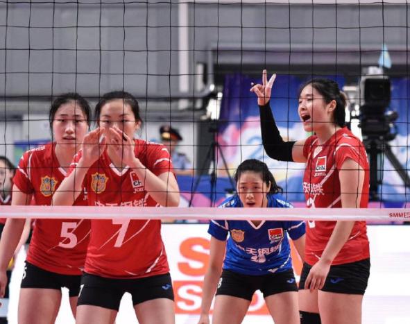 江苏女排获亚俱杯季军收官 残阵拿第三无缘PK朱婷