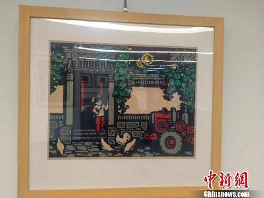 此次在太原美术馆展出的诗书画作品,格调高雅、立意高远、主体鲜明、多姿多彩、绿色主题突出、自然韵味浓郁,有着强烈的艺术感染力和吸引力。 刘小红 摄