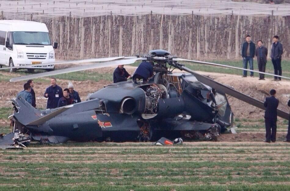 韩国国产直升机10米高空突然坠毁5人死亡,完美雄鹰制造血案