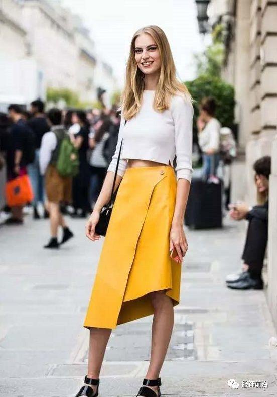夏天穿这个颜色,吸睛又时髦!