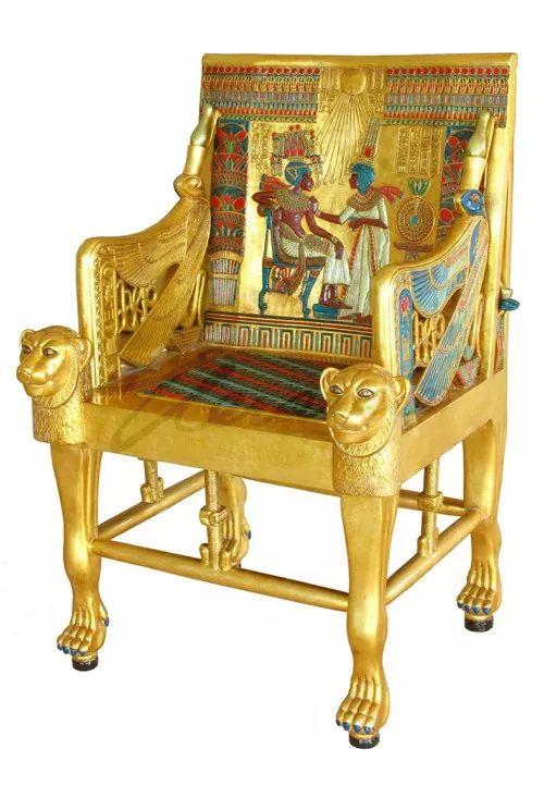 古埃及法老图塔卡蒙的王座,由纯金打造,也是人类出土的最早的椅子.