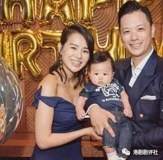 胡杏儿带儿子首次离港旅游:你真的很重!